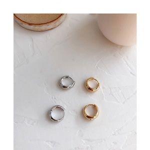 Mini tear drop 💧 hoop earrings🆕